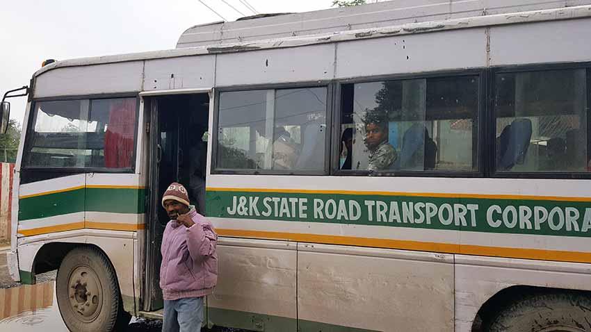 bus-Srinagar-Leh