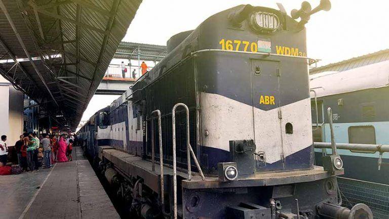 trenes-en-la-india