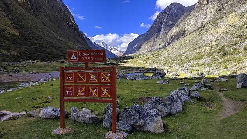 llamacorral trekking santa cruz huaraz
