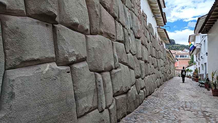 que hacer cuzco calle loreto piedra 12 angulos