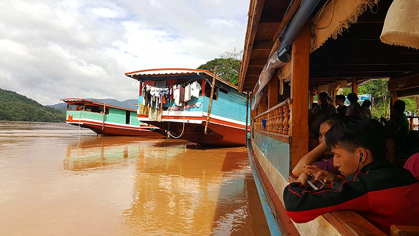 frontera Tailandia Laos en barco