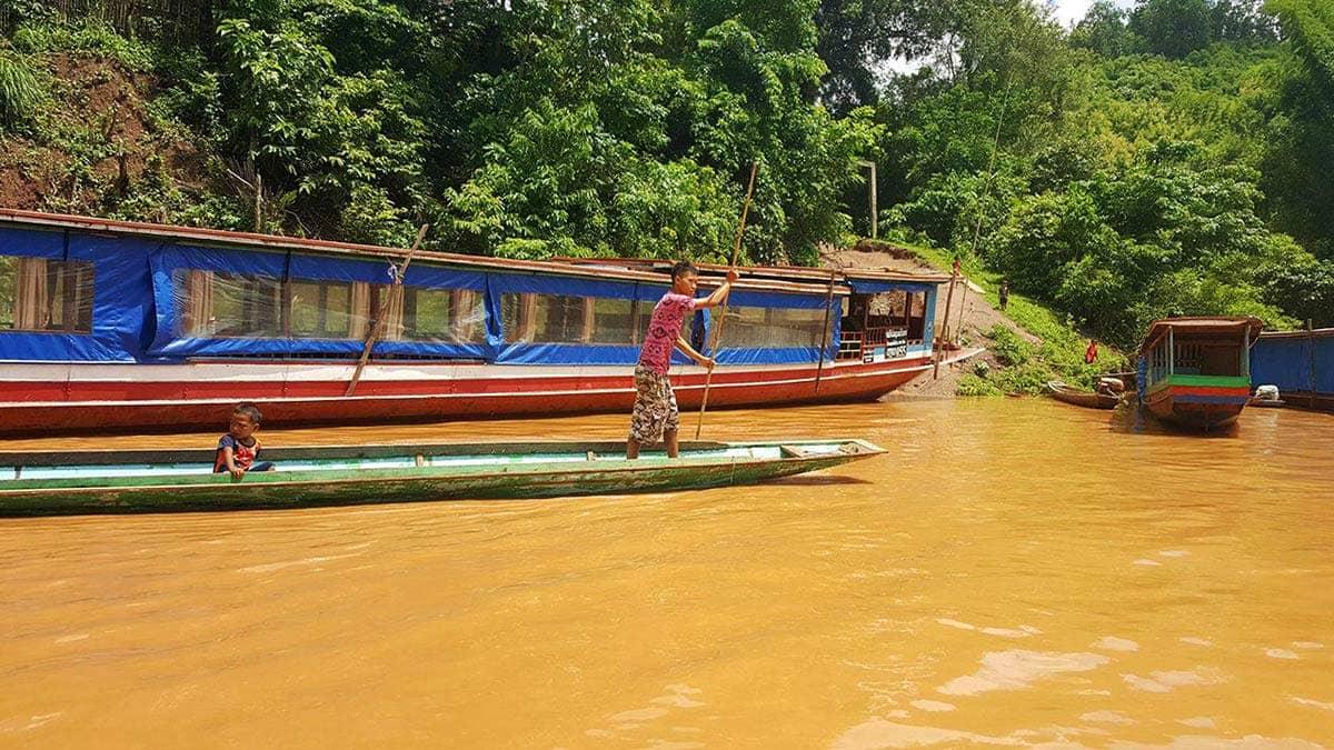 frontera tailandia laos barco mekong