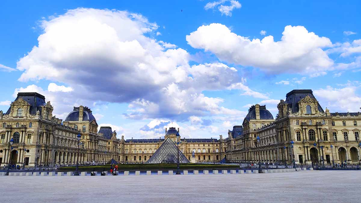 entrada louvre museo paris