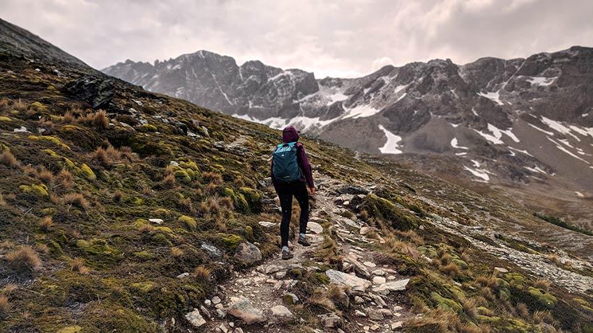 equipo de senderismo patagonia