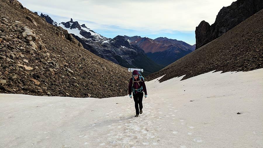 equipo de trekking montaña